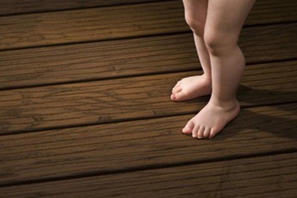 استفاده از ترمووود برای کف پوش حس خوبی منتقل می نماید